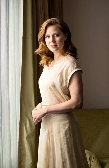Amy Adams Plays a Grifter in 'American Hustle' - NYTimes