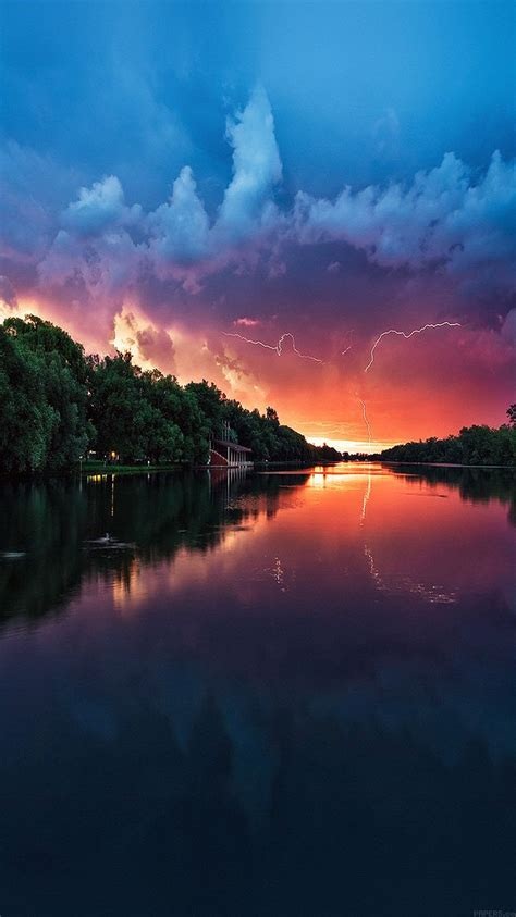 mc62-wallpaper-lightening-reflected-lake-sea-river-nature