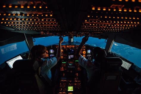 How Much A Delta Airlines Pilot Makes In Salary - Naibuzz