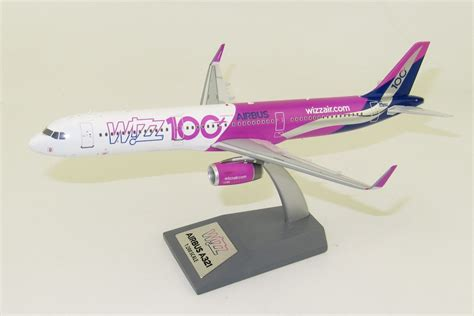 "WizzAir A321 HA-LTD ""100th"" 1:200 Inflight200 - Ae"
