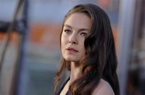 Alexa Davalos weight, height and age