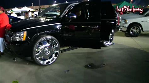 "BLACK Chevy Tahoe on 30"" DUB Banditos w/ Floating Center"