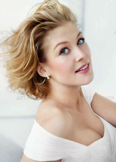 Rosamund Pike Awesome Profile Pics - Whatsapp Images