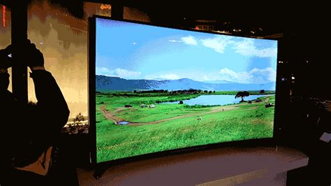 Hands-On: Samsung's 4K TVs Are Getting All Bent Out Of
