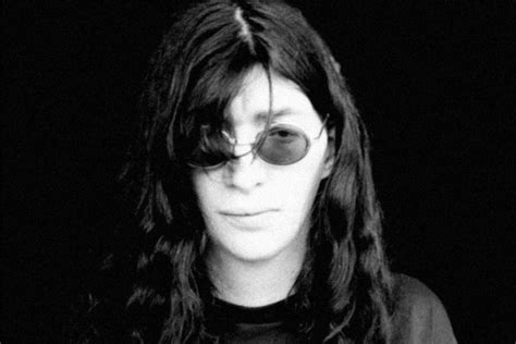 New Joey Ramone mural painted in NYC | Punknews