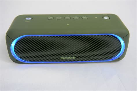Sony SRS-XB30 Wireless Speaker: Party-popper